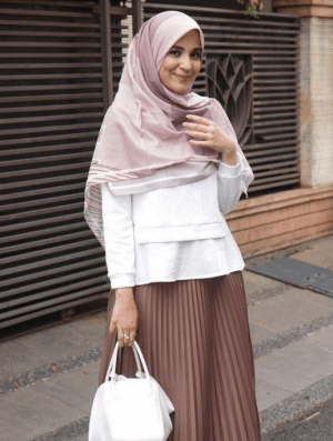 Gaya hijab ala Shireen Sungkar