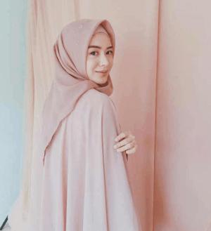 Hijab Polos Segi Empat