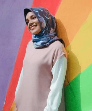 Hijab corak biru dengan outer pink pastel
