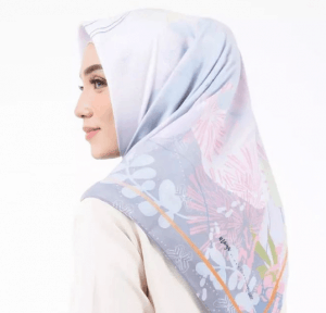 Jilbab Segi Empat Bermotif Herfiza