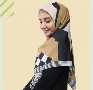 Jilbab Segi Empat Bermotif Zaskia Sungkar