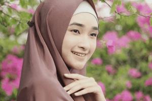 hijab adem