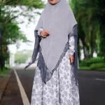 Inspirasi Hijab Syar'i Artis Cindy Fatikasari